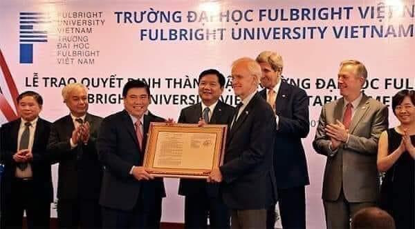 Tại sao Mỹ có thể hào phóng trong việc đầu tư cho nền giáo dục Việt Nam