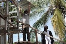 Senandung Pemasangan Atap Gereja Baru Ohoidertawun Sertai Perjalanan Ibadah Puasa Bupati Malra