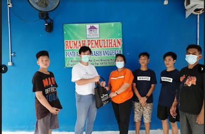 BNPT dan YHPB Didukung Suma Village Santuni Mahasiswa Perantauan dan Masyarakat Terdampak Covid-19 di Curug Tangerang
