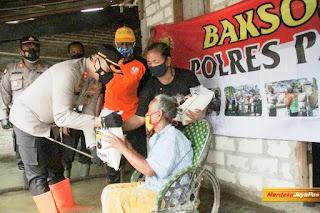 Bansos Kapolres Pati Desa Mintobasuki Sambangi Warga Terdapak Banjir