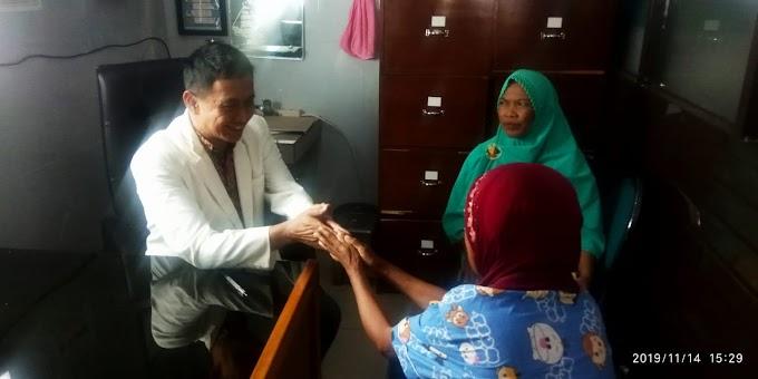 Ucapan Trimakasih Ibu Ari Terhadap dr.H.Husodo Dewo Adi, Sp.OT, Spien di RSUD dr Selamat Kabupaten Garut Provinsi Jawa Barat