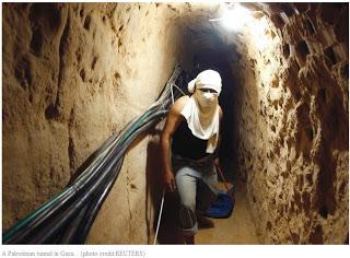 la construction d'un mur souterrain autour de Gaza