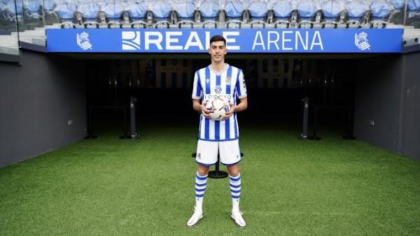 Oficial: Real Sociedad, firma Carlos Fernández hasta 2027