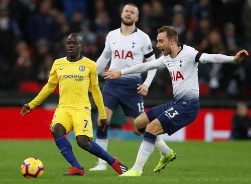Chelsea đứt mạch bất bại: Sarri đang lãng phí Kante 2