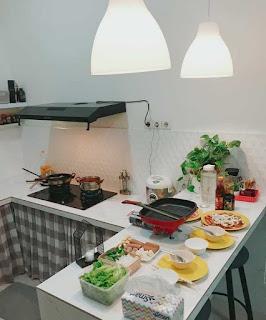 Ruang dapur dan area makan rumah 7x15