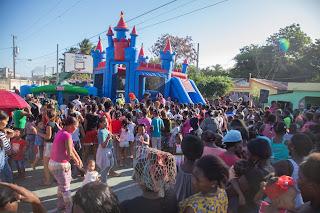 CAC entrega juguetes a niños de Villa Central.
