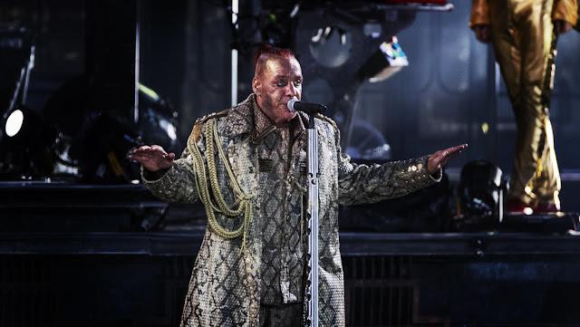 Reportan que el vocalista de Rammstein, Till Lindemann, está en una unidad de cuidados intensivos en Berlín por coronavirus