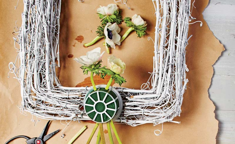 spring wreaths, bouquet wreath how to, flower wreaths, diy wreath ideas