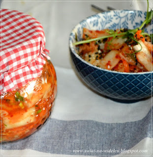 https://swiat-na-widelcu.blogspot.com/2020/03/kimchi-tradycyjna-koreanska-receptura.html
