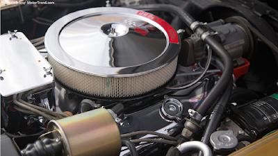 427 cu.-in. Corvette engine