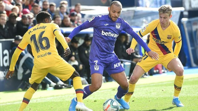 'He is not good enough for Barca' - Fans react to Braithwaite's transfer