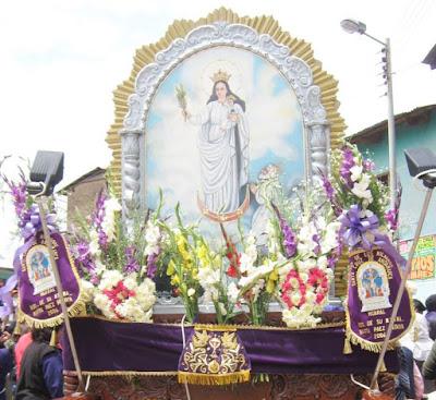 Foto de la Virgen de la Nube en plena procesión