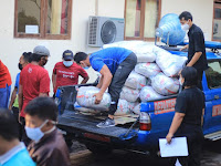 Central Social Assistance and the Buleleng Regency Government Distributed, Followed by the Bali Governor's Social Assistance