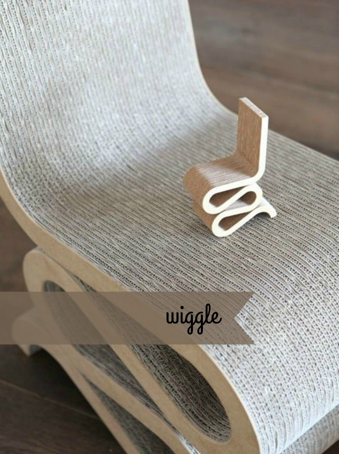 WIGGLE-SIDE-CHAIR-MINIATURE