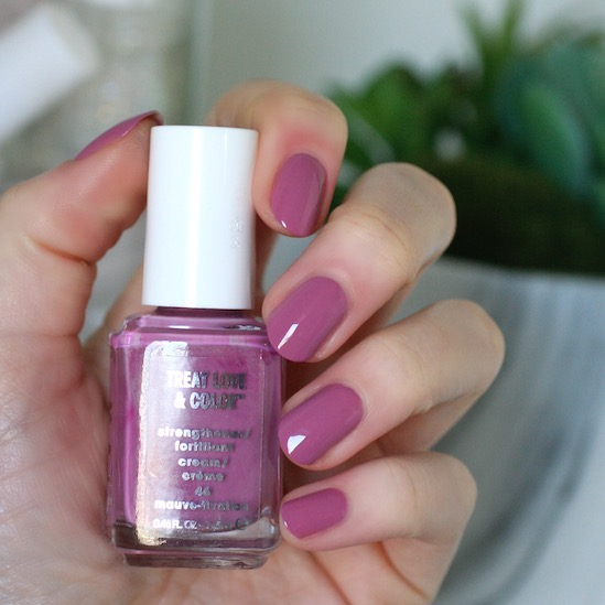 treat love color expansion 15 new shades swatches review essie envy. Black Bedroom Furniture Sets. Home Design Ideas