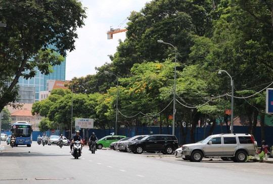 Bất ngờ đề xuất chi 250 tỉ đồng gắn 34 cổng thu phí ôtô vào trung tâm TP HCM
