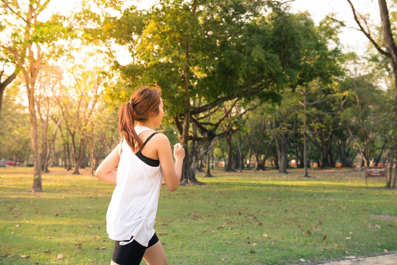Olahraga untuk menjaga kesehatan mata di usia 20-an dan 30-an