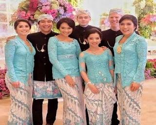 desain baju batik keluarga