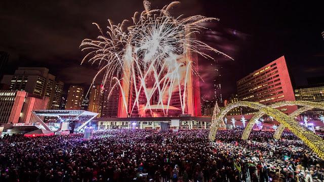 Ano Novo em Toronto na Nathan Phillips Square