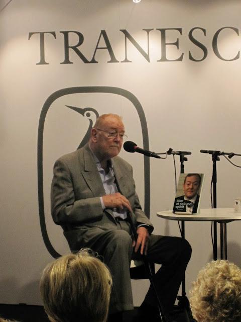 Skuespiller Jesper Langberg interviewes på Tranescenen