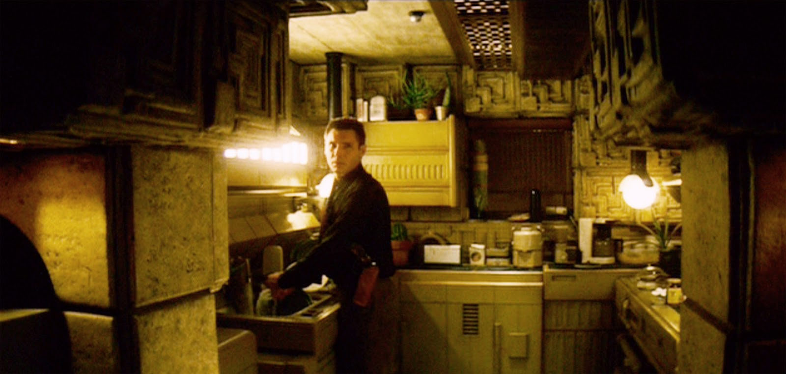 How functional is Deckards apartment in Blade Runner?  Science Fiction  Fantasy Stack Exchange