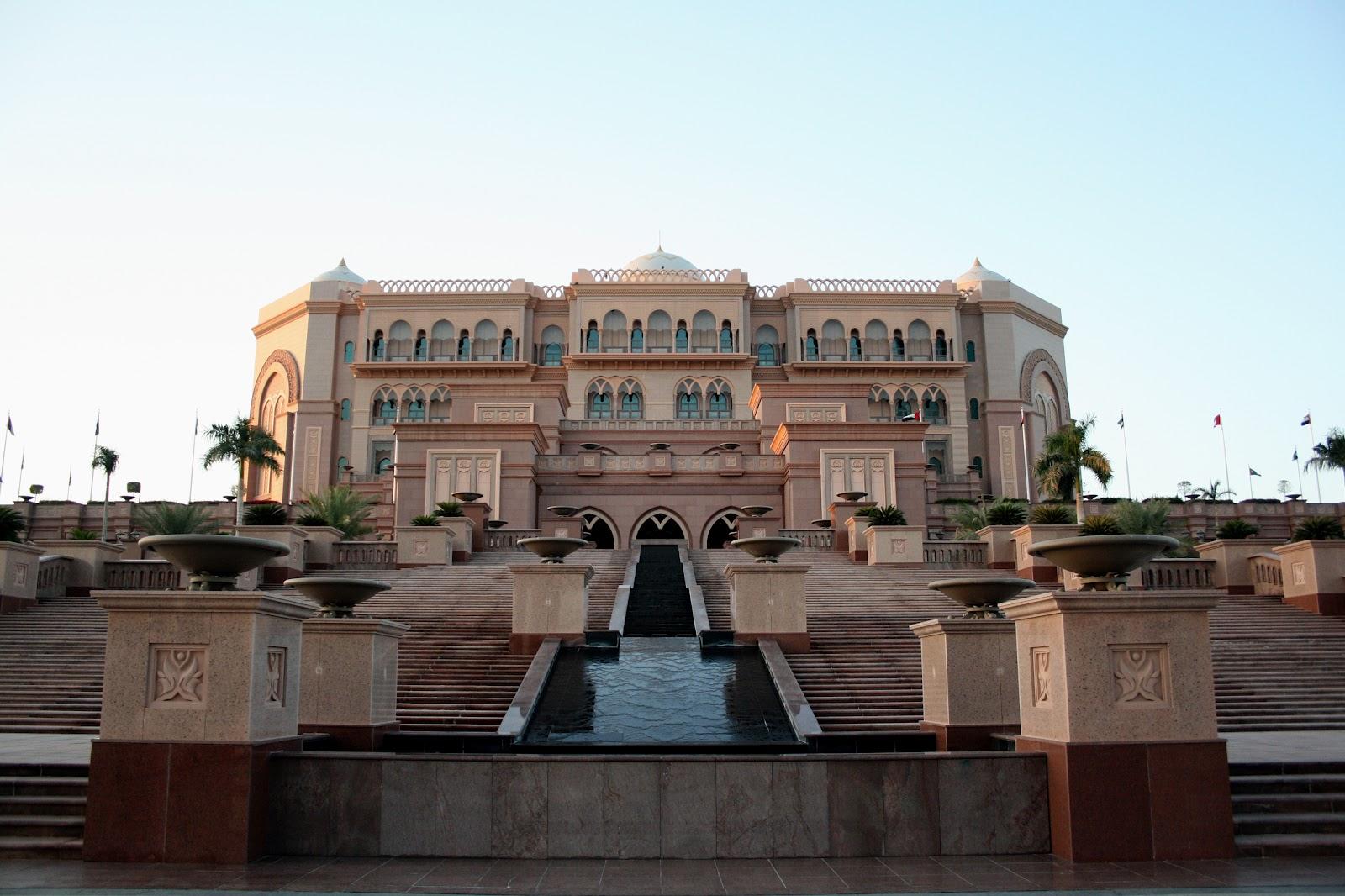 Bint Sururi The Wow Factor Of Abu Dhabi Emirates Palace