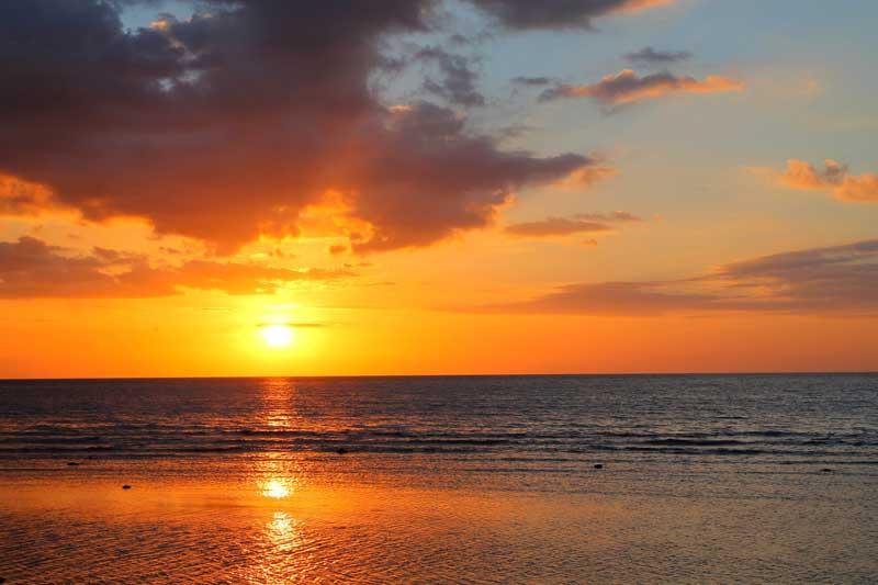 Pantai Lovina Singaraja Bali