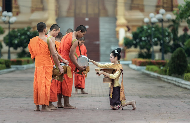 Chat With Monks In Laos 2020