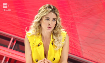 Diletta Leotta vestito giallo top 10 foto 30 aprile