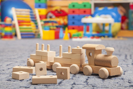 Plastic Toys vs Wooden Toys: Which is Best for Your Child?