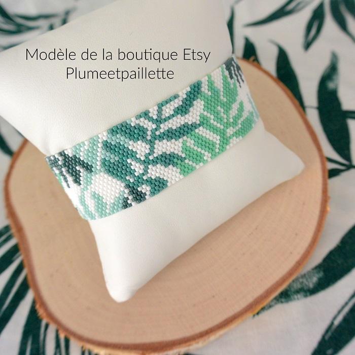 Bracelet feuilles vertes en Miyuki, modèle de Plumeetpaillette, tissé en peyote par Hello c'est Marine