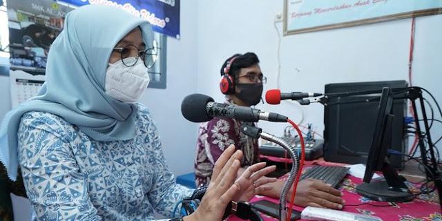 radio komunitas untuk pembelajaran jarak jauh di smpn 4 glenmore