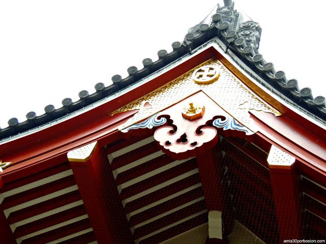 Puerta Kaminarimon en el Templo Sensoji