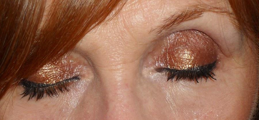 Imagen Ojos cerrados longlasting 5 con Golden
