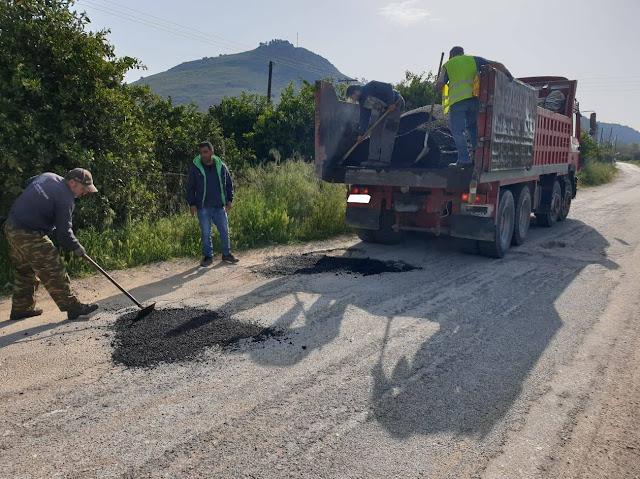 Κλείνουν λακκούβες στο Δήμο Ναυπλιέων