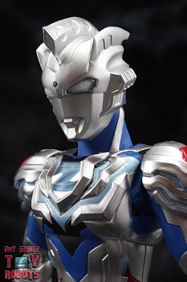 S.H. Figuarts Ultraman Z Alpha Edge 01