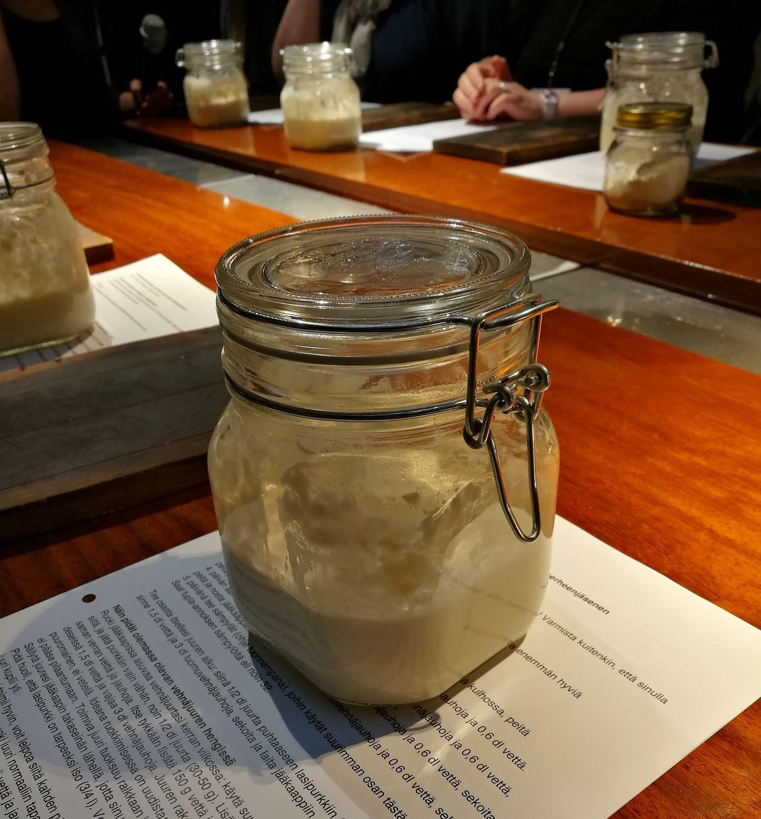 juurisämpylät sämpylät vehnäjuuri juurileivonta leipä mallaspulla what's cooking helsinki