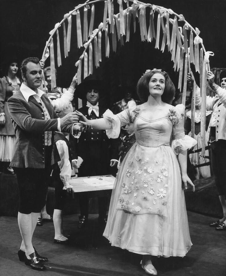 LA STUPENDA, PER SEMPRE: Australian soprano DAME JOAN SUTHERLAND (1926 - 2010) as Amina (right) and tenor NICOLAI GEDDA (1925 - 2017) as Elvino (left) in Vincenzo Bellini's LA SONNAMBULA at The Metropolitan Opera, 1963 [Photograph by Louis Mélançon, © by The Metropolitan Opera]