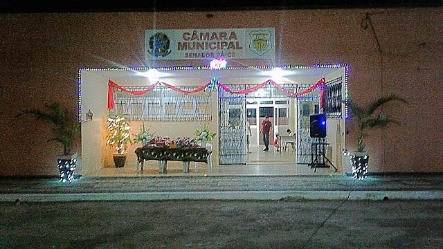 Câmara Municipal realiza momento em celebração ao Natal para a comunidade.
