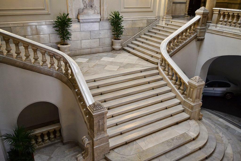 Mi cuarto secreto ayer en el ayuntamiento de valencia for Escaleras de marmol