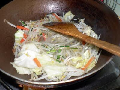 冷蔵庫の中華煮を投入