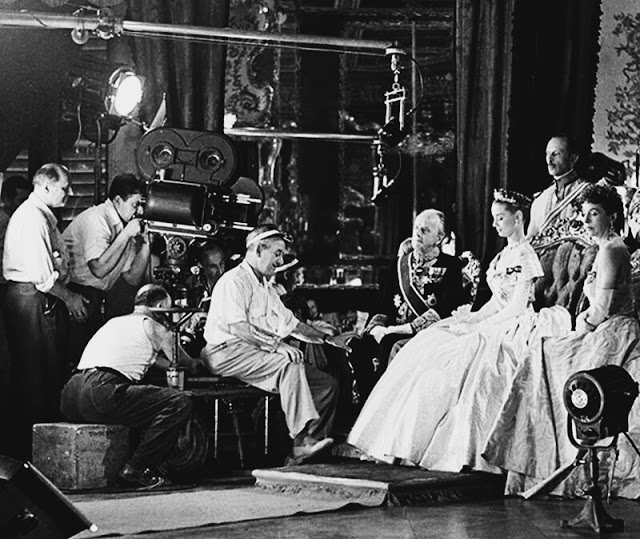 Foto dos bastidores do filme A Princesa e o Plebeu, no original Roman Holiday, de 1953