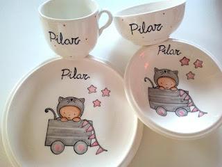 Vajillas infantiles de cerámica artesanal , pintadas a mano y personalizadas con nombre