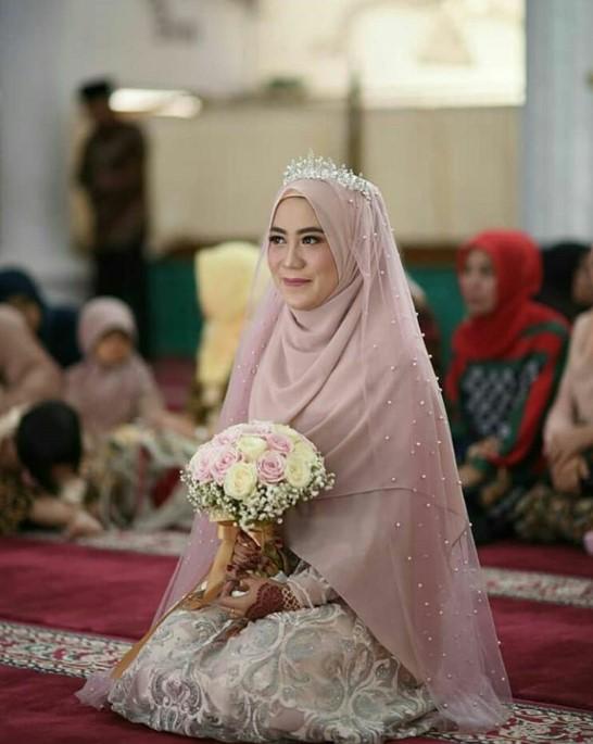 Hijab Pengantin Syari Menutup Dada Gambar Islami