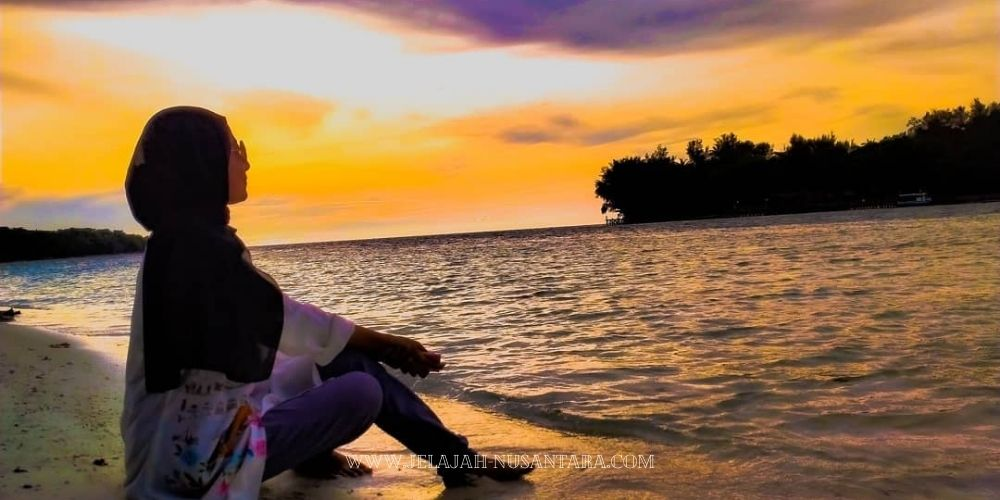paket wisata royal island resort pulau kelapa