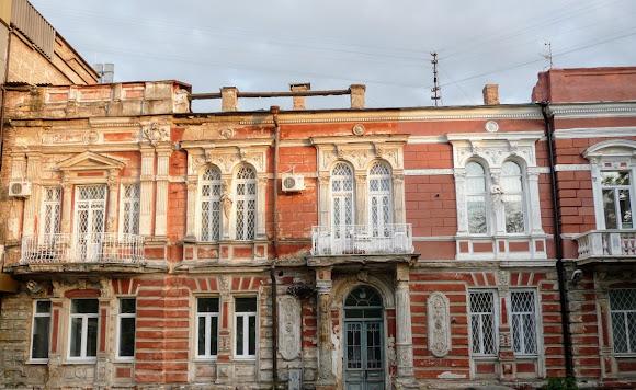 Херсон. Дом Фальц-Фейнов. Бывший Российский банк