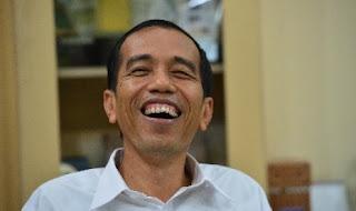 Ditawari Gelar Doktor, Jokowi: Saya Ini Orang Bodoh