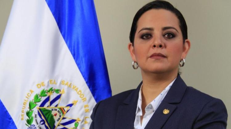 La embajadora salvadoreña recibió una condecoración póstuma del gobierno / WEB