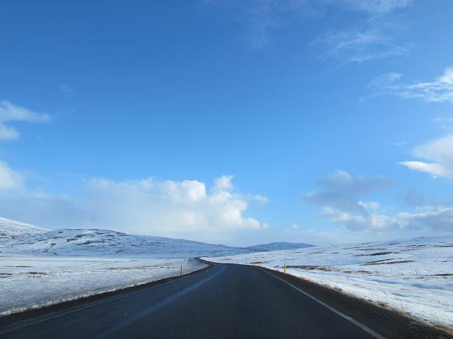 冰島自助旅遊/冰島必來景點,黃金圈 Golden Circle (辛格偉德利國家公園、冰島間歇泉、黃金瀑布、火山口湖)、 賽里亞蘭瀑布Seljalandsfoss~
