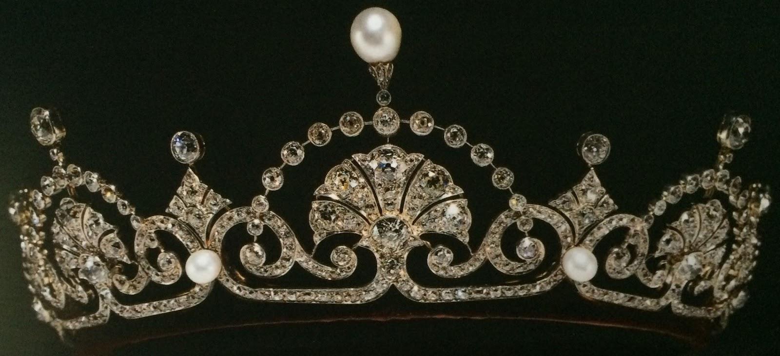 Tiara Mania Queen Elizabeth Of The United Kingdoms Lotus Flower Tiara